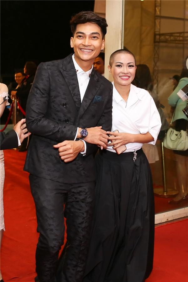 Phương Thanh đi cùng nam diễn viên Khương Ngọc - Tin sao Viet - Tin tuc sao Viet - Scandal sao Viet - Tin tuc cua Sao - Tin cua Sao