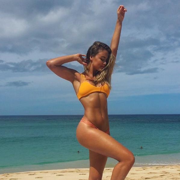 Ngất không hồi sức với vẻ sexy của cô nàng triệu fans trên Instagram