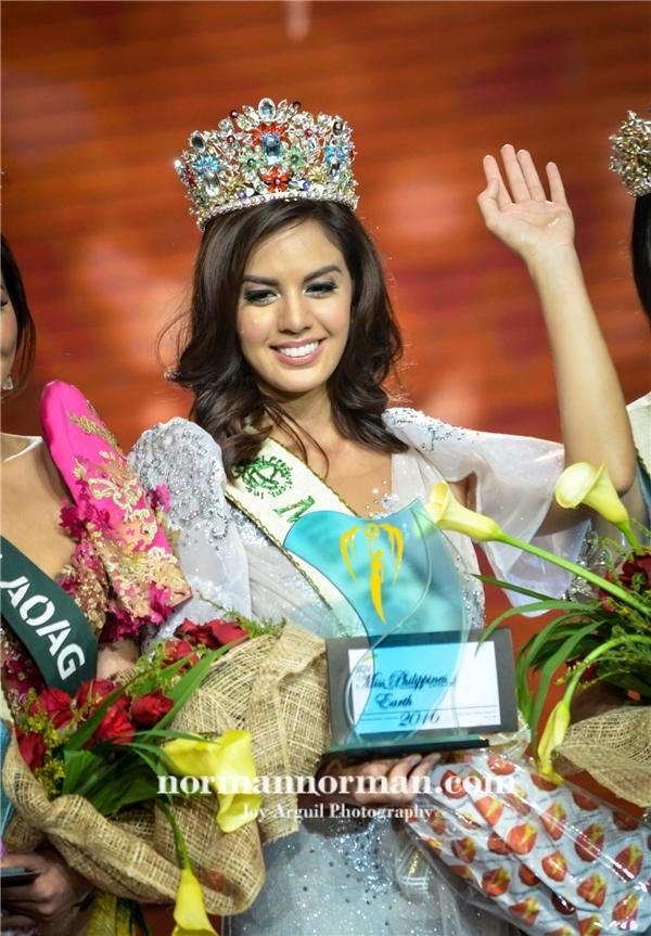 Đại diện Philippines Imelda Schweighart
