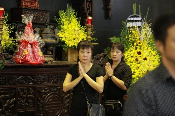 Nghệ sĩ Việt không cầm được nước mắt trước linh cữu NS Phạm Bằng - Tin sao Viet - Tin tuc sao Viet - Scandal sao Viet - Tin tuc cua Sao - Tin cua Sao