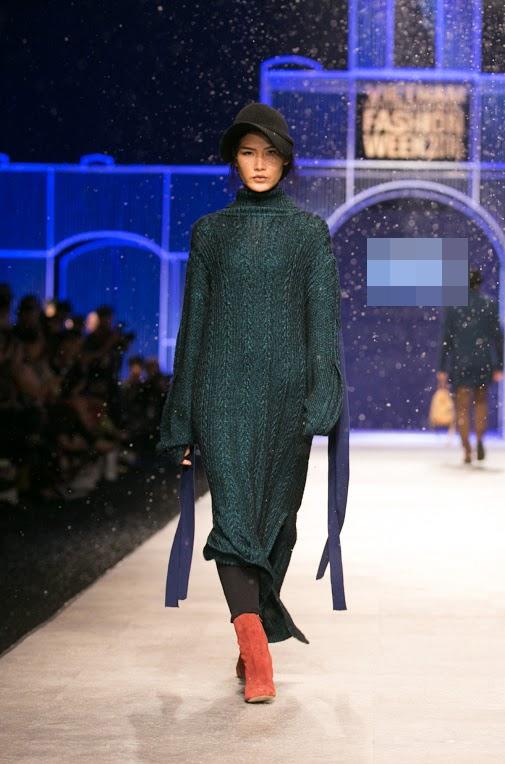 Với những màu sắc chủ đạo như: be, ghi, rêu, đen, đỏ sẫm, các thiết kế mang lại vẻ đẹp tinh tế cho người mặc trong mùa thời trang Thu - Đông này.
