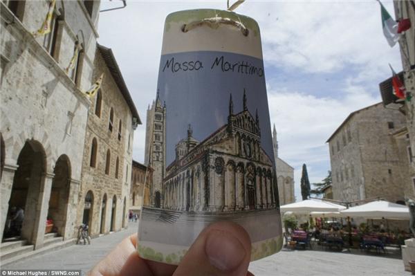 Thị trấn xinh đẹp củaMassa Marittima ở phía Nam Tuscany, nước Ý chính là phông nền lí tưởng cho tấm bookmark có in công trình kiến trúc tương tự.