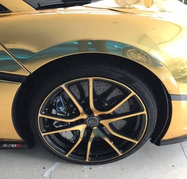 Ngắm siêu xe McLaren 570S 12 tỉ mạ vàng cực chất tại Sài Gòn