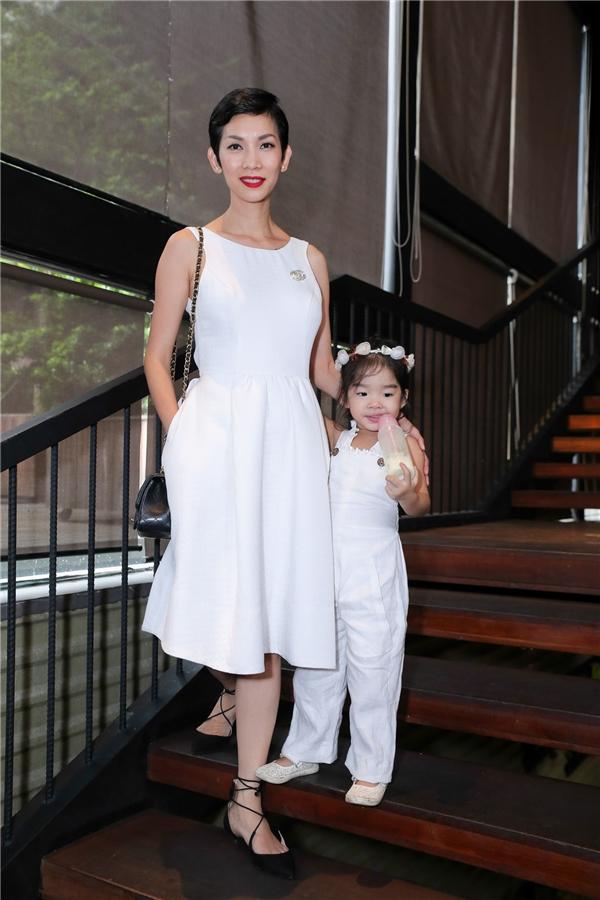 Xuân Lan mặc đồ ton-sur-ton với con gái, quậy tưng thảm đỏ - Tin sao Viet - Tin tuc sao Viet - Scandal sao Viet - Tin tuc cua Sao - Tin cua Sao