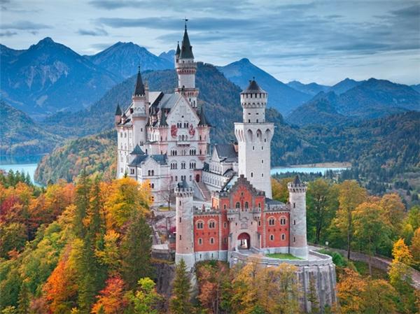Lâu đài Neuschwanstein tại nước Đức.