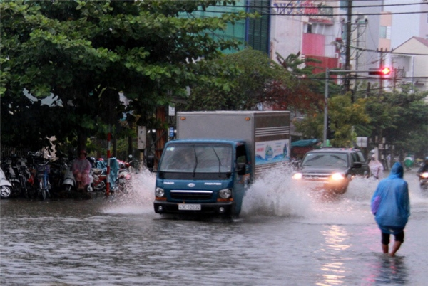 Diễn biến ngập lụt ở các tỉnh từ Bình Định đến Ninh Thuận và Đắk Lắc khá phức tạp. (Ảnh: Internet)