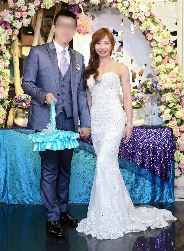 Hoảng hồn màn đu xà đơn trong ngày cưới của cô dâu khỏe nhất thế giới