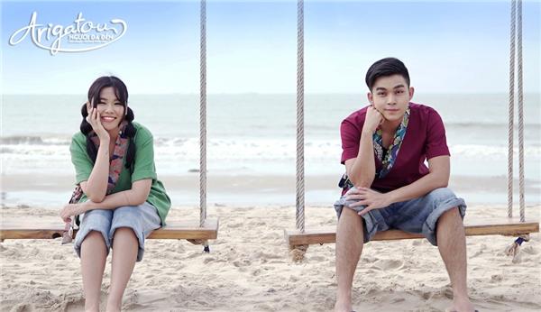 Jun và Trương Thảo Nhi đã mang đến cho khán giả những khoảnh khắc yêu nhau dễ thương tạo nên màu sắc nhẹ nhàng của một cuộc tình nên thơ. - Tin sao Viet - Tin tuc sao Viet - Scandal sao Viet - Tin tuc cua Sao - Tin cua Sao