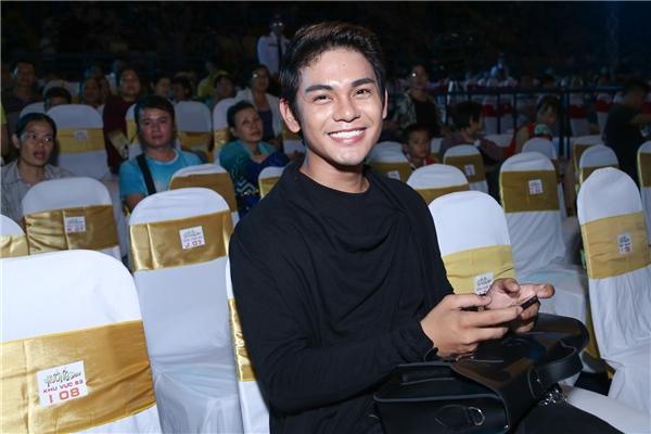 Ngoài ra, trên hàng ghế khách mời, người hâm mộ cònnhận ra những nghệ sĩ nổi tiếng của showbiz Việt như Hứa Vĩ Văn, Diễm My 9X, Sơn Ngọc Minh... - Tin sao Viet - Tin tuc sao Viet - Scandal sao Viet - Tin tuc cua Sao - Tin cua Sao