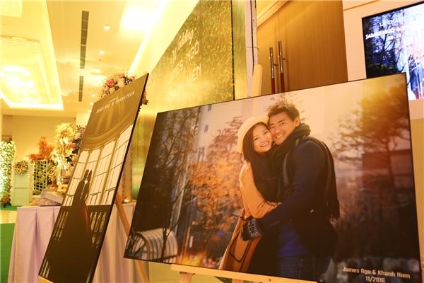 Không gian tiệc cưới được trang hoàng lộng lẫy và trang trí bởi hình ảnh hạnh phúc của cặp đôi. - Tin sao Viet - Tin tuc sao Viet - Scandal sao Viet - Tin tuc cua Sao - Tin cua Sao
