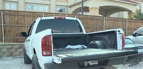 Chiếc xe phải liên tục vào gara để sửa chữa phần đuôi bị xe khác tông vào. (Ảnh: internet)