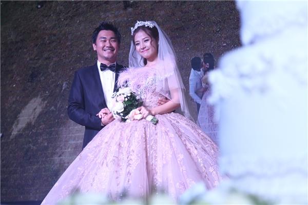 Vẻ đẹp thuần khiết của cô dâu Khánh Hiền trong ngày trọng đại - Tin sao Viet - Tin tuc sao Viet - Scandal sao Viet - Tin tuc cua Sao - Tin cua Sao