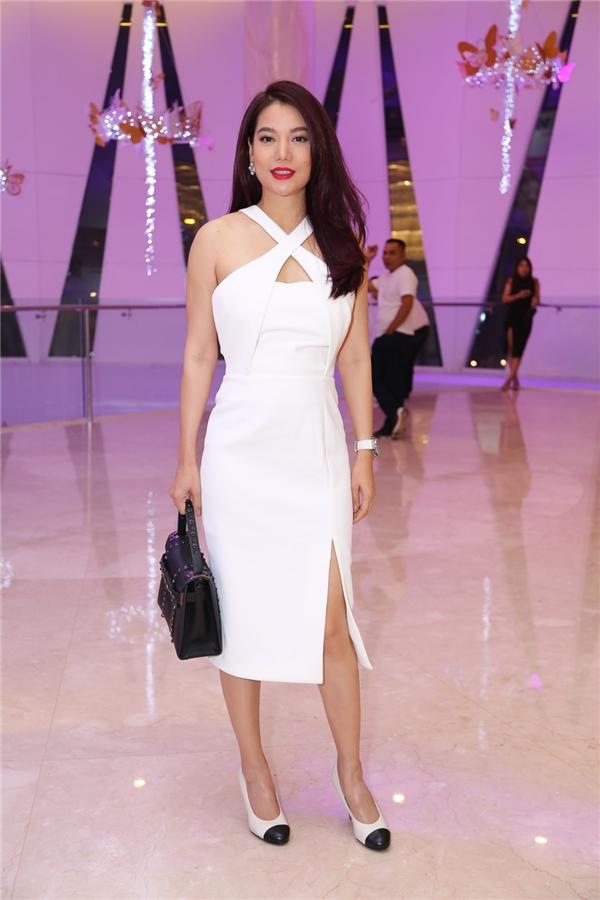 Trương Ngọc Ánhgợi cảm với váy trắng xẻ vạt, hở vai đến dự tiệc - Tin sao Viet - Tin tuc sao Viet - Scandal sao Viet - Tin tuc cua Sao - Tin cua Sao