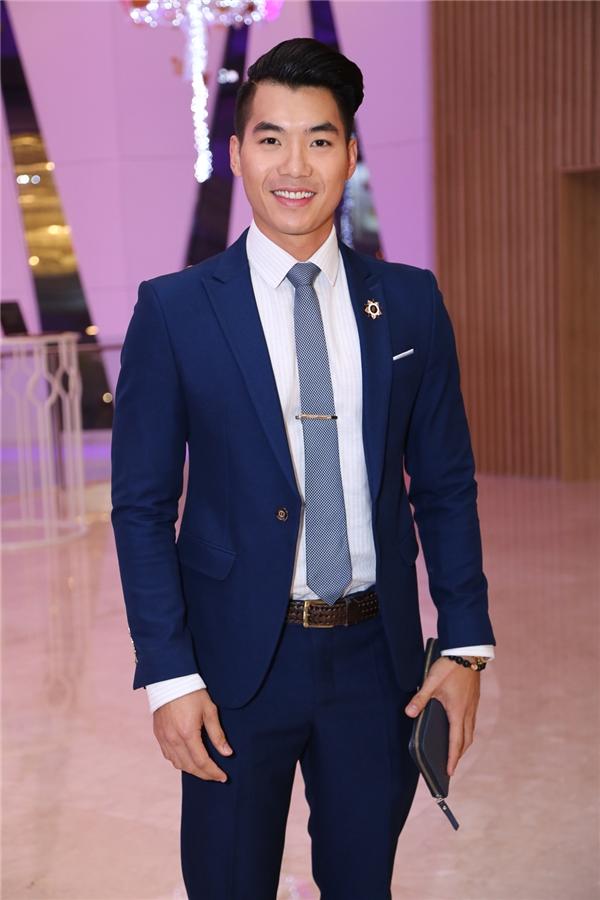 Trương Nam Thành lịch lãm với vest - Tin sao Viet - Tin tuc sao Viet - Scandal sao Viet - Tin tuc cua Sao - Tin cua Sao