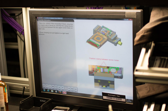 Những bản thiết kế riêng cho từng mẫu Vertu đã được đặt hàng với các bảng mã màu giúp các kỹ sư láp ráp một cách dễ dàng và chính xác.