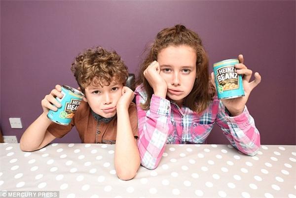 Hai đứa trẻ vô cùng nghịch ngợmvà bướng bỉnh.
