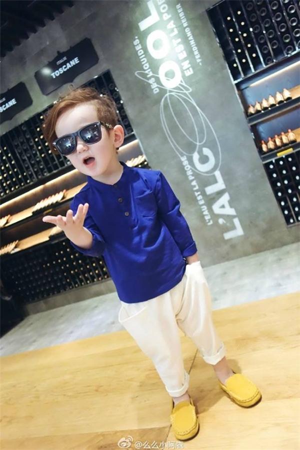 Jacksonđược rất nhiều nhãn hàng, thương hiệu dành cho trẻ con chọn làm người mẫu.(Ảnh: Internet)
