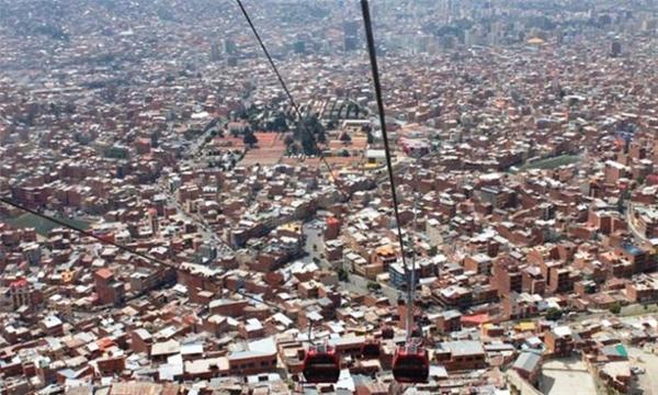 Cáp treo tránh tắc đường ởBolivia dài nhất thế giới.