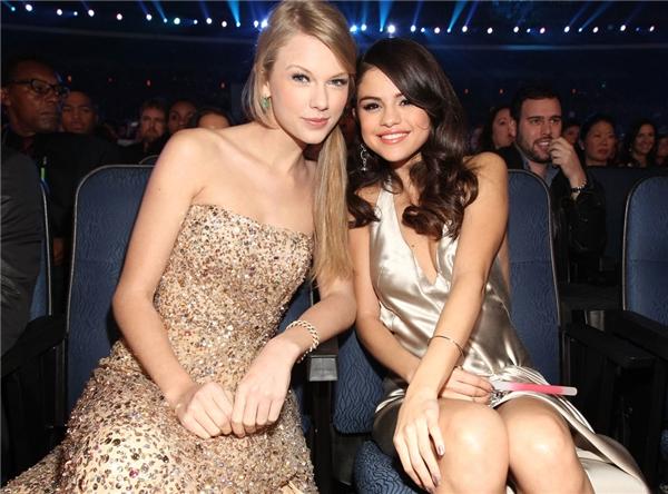"""Taylor Swift không còn thân với Selena, Jelena """"gương vỡ lại lành""""?"""