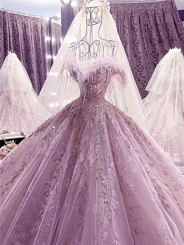 Cận cảnh váy cưới trăm triệu khiến vạn người mê của Khánh Hiền