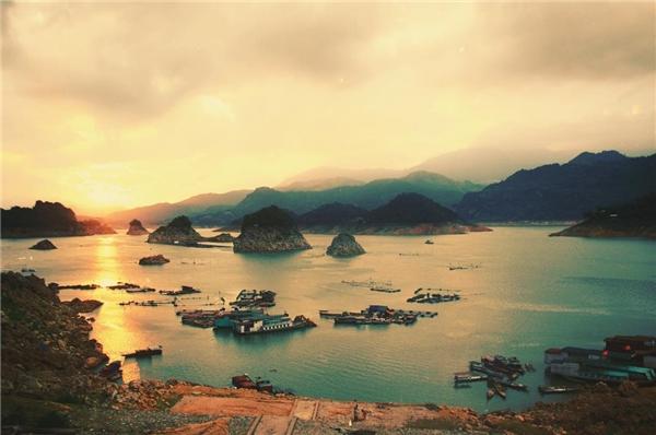 VịnhHạ Longtrên cạn tạiViệt Nam.(Ảnh: Internet)
