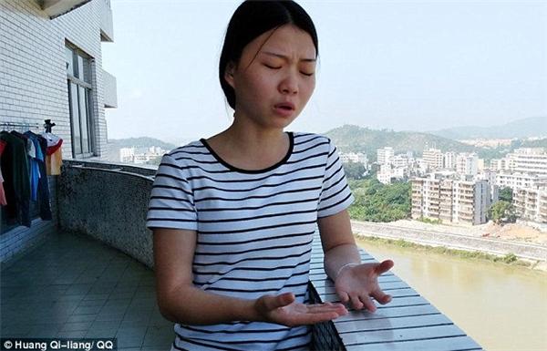 Mẹ của cô - bàWu Zhaofang, từ hơn một tuần nay đã được yêu cầu chuyển lên bệnh viện tuyến trên để tiếp tục điều trị, nhưng gia đình không đủ khả năng để thực hiện điều đó.