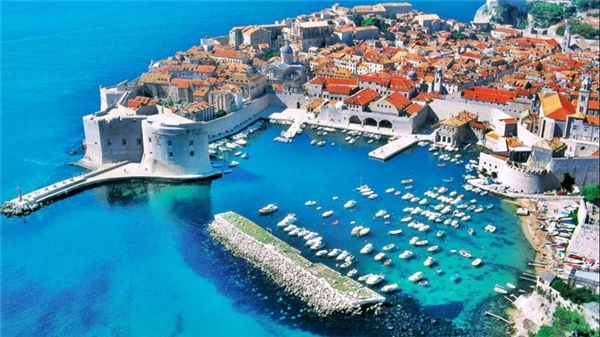 #20 Bờ biển Croatia