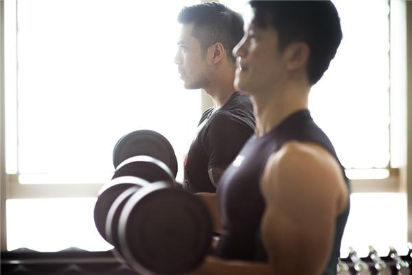 Dustin Nguyễn tích cực tập luyện cùng Thiên Nguyễn cho dự án 700 tỷ - Tin sao Viet - Tin tuc sao Viet - Scandal sao Viet - Tin tuc cua Sao - Tin cua Sao