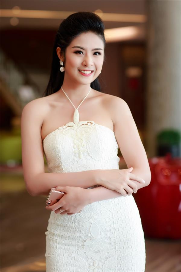 Hiện tại, Hoa hậu Việt Nam 2010đang tập trung cho công việc kinh doanh các cửa hàng thời trang.