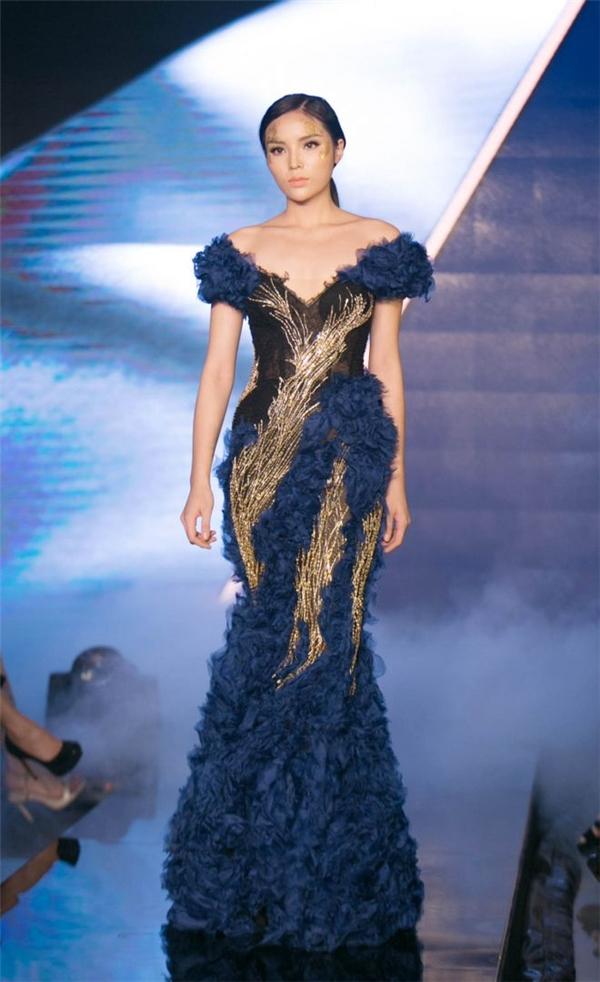 Từ sau khi nỗ lực lấy lại hình ảnh trong mắt công chúng, Kỳ Duyên bắt đầu tham gia các show thời trang với tư cách người mẫu trình diễn. Gần đây nhất, cô đảm nhận vai trò chốt màn cho bộ sưu tập của nhà thiết kế Hoàng Hải và Nuchsuda.