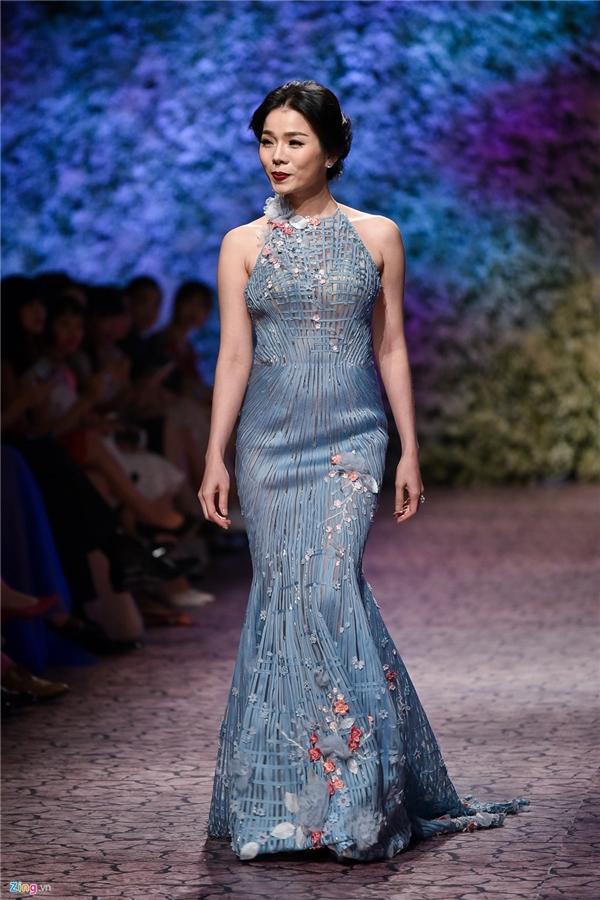 Elly Trần, Kỳ Duyên, Huyền My và những lần catwalk hiếm hoi