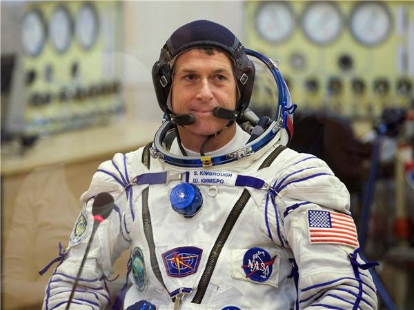 Ngày 7/11 vừa qua, cơ quan NASA - Cục Quản trị Không Gian và Hàng Không Quốc gia Mỹ thông báo rằng phi hành gia có tên gia Shane Kimbrough đã thành công gửi phiếu bầu Tổng thống từ Trạm Không gian vũ trụ qua thư điện tử.