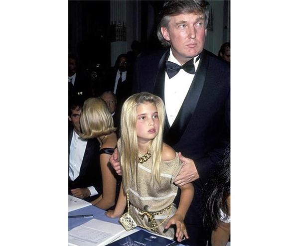 Cùng cô con gái rượu Ivanka Trump.