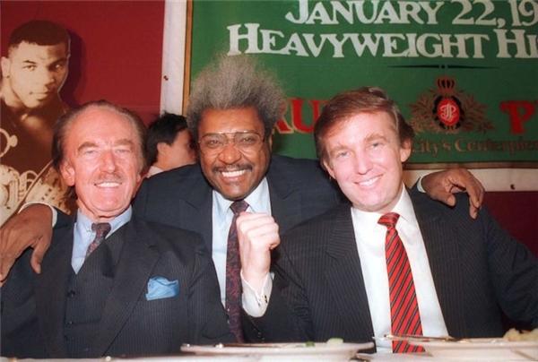 Cả Donald Trump và cha ông, Fred Trump, đều là bạn của diễn viên kiêm bảo trợ cuộc đấu quyền Anh - Don King.
