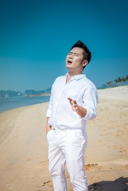 Ca khúc do chính nhạc sĩ Huy Tuấn sáng tác riêng cho cả hai giọng ca và được thực hiện một cách chỉnh chu nhất. - Tin sao Viet - Tin tuc sao Viet - Scandal sao Viet - Tin tuc cua Sao - Tin cua Sao