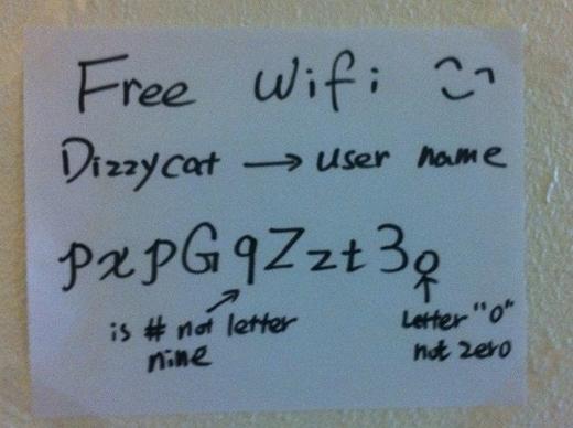 Chủ nhân wifi giải thích cặn kẽ từng kí tự của mật khẩu.