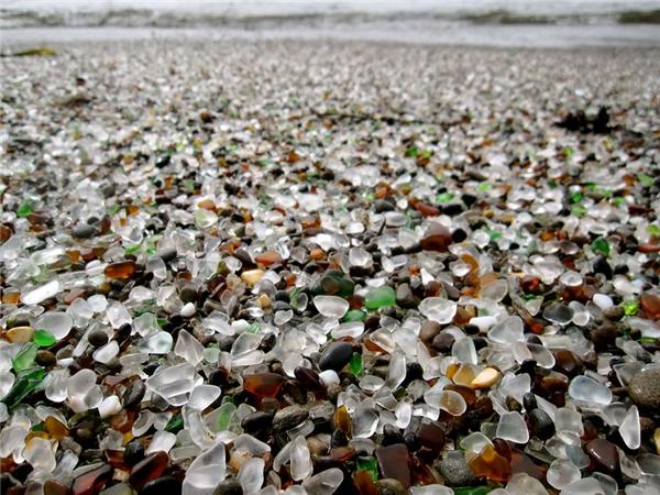 Há hốc mồm với những bãi biển xinh đẹp nhưng dị thường nhất thế giới