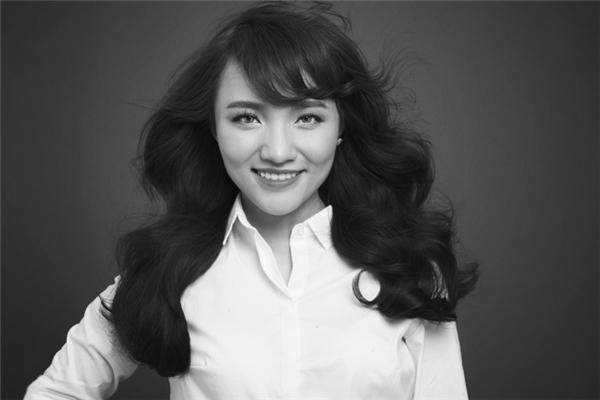 Nhóm Hoa của mẹ đón nhận thử thách trong đêm chung kết khi biểu diễn với ca sĩ Nhật Thuỷ Idol. - Tin sao Viet - Tin tuc sao Viet - Scandal sao Viet - Tin tuc cua Sao - Tin cua Sao