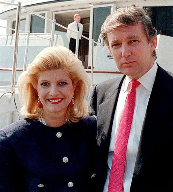 Sau 20 năm li hôn, mối quan hệ giữa tân Tổng thống Mĩ và người vợ đầu tiên đã tốt đẹp hơn. (Ảnh: Internet)