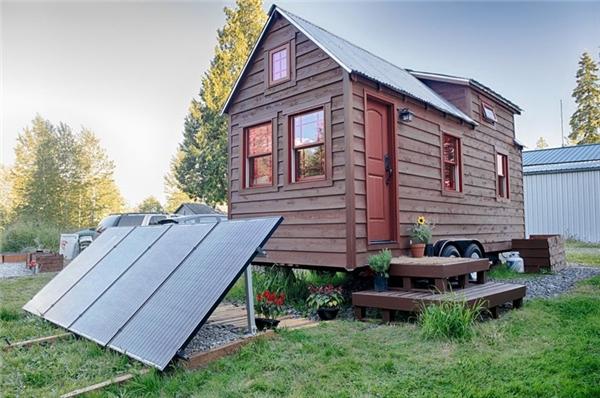 Nhà năng lượng mặt trời: Năm 1947, nhà lý sinh học Maria Telkes phát minh ra thiết bị trữ nhiệt cho nhà ở bằng cách sử dụng muối, muối natri và axit sulfuric, kết hợp với ánh nắng mặt trời. Và ngôi nhà của bà ấm áp suốt 3 mùa đông.