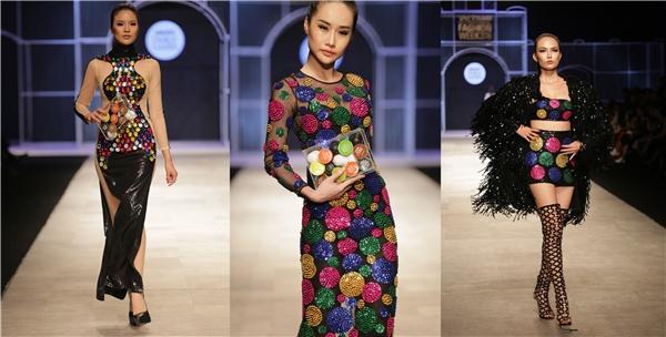 Và anh đã biến ý tưởng thành hiện thực với những chiếc váy đa dạng trong kiểu dáng, thết đãi giới mộ điệu một bữa tiệc thời trang rực rỡ sắc màu.