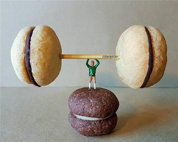 Ăn đồ ngọt nhiều thì đừng quên tập thể thao để giữ dáng nhé.