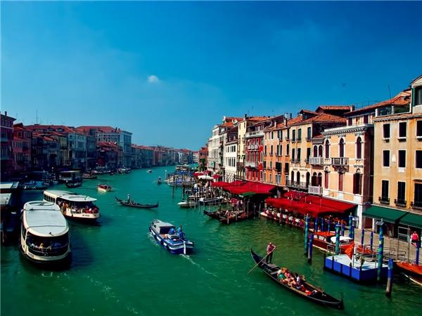 Các nhà khoa học công bố Venice đang chìm dần dưới nước với tốc độ nhanh hơn gấp 5 lần so với nhận định trước đây.