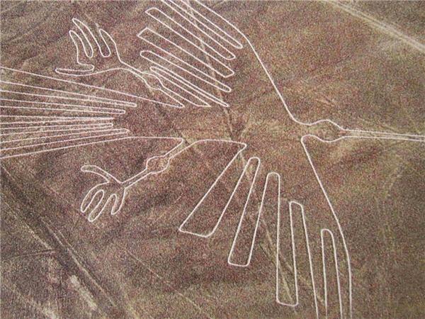 Những đường vẽ ở cao nguyên Nazca.