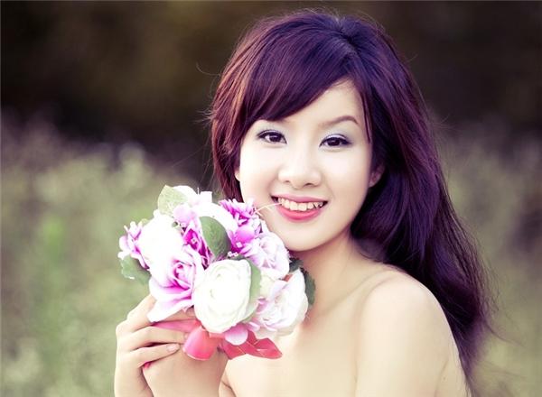 Phụ nữ luôn đẹp khi họ biết mỉm cười.