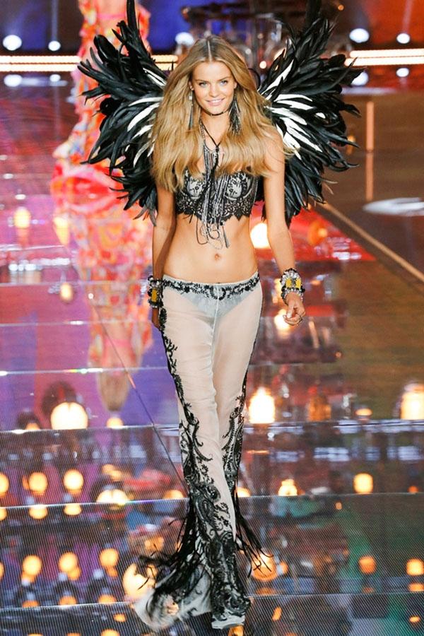Đã chấm dứt hợp đồng độc quyền với Victoria's Secret và không còn là một thiên thần nhưng Kate Grigorieva vẫn góp mặt trong show diễn sắp tới.