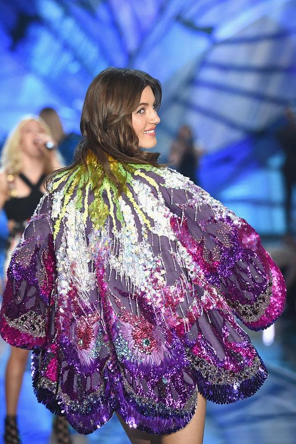 """""""Lên sàn"""" lần đầu vào năm ngoái, người mẫu Nga Valery Kaufman thu hút bởi chiều cao 1m79 và số đo 3 vòng chuẩn 84-60-86."""