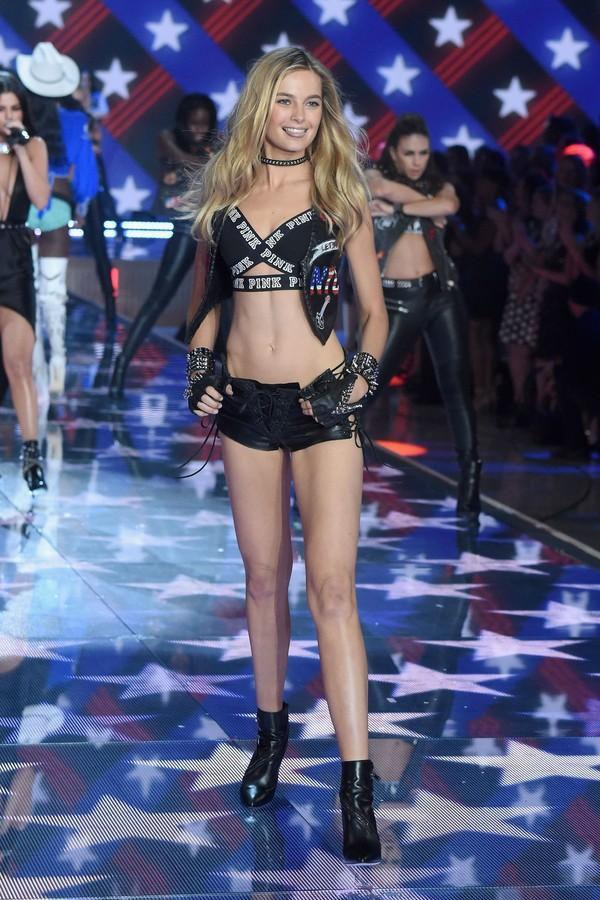 Bridget Malcolm là mỹ nhân người Úc sở hữu khuôn mặt thanh thoát và mái tóc vàng quyến rũ. Show diễn sắp tới sẽ là kỳ Victoria's Secret Fashion Show lần thứ 2 của cô.