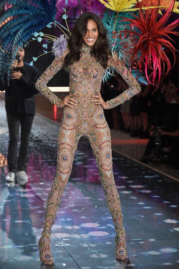 Sau 3 lần sải bước trên Victoria's Secret Fashion Show, Cindy Bruna sẽ tiếp tục xuất hiện trên sàn runway sắp tới.