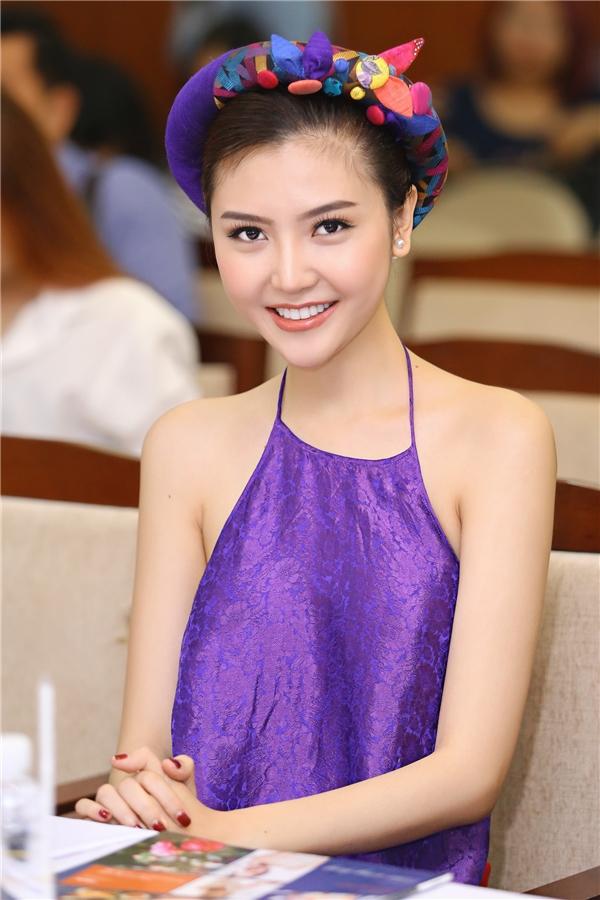 Được biết, Ngọc Duyên sẽ tham gia trình diễn trong chương trình Duyên dáng Việt Nam 28 diễn ra tại Hà Nội và TP.HCM.